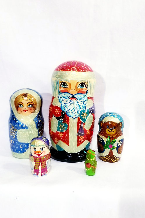 Santa nesting doll, 5 pieces 6 in high