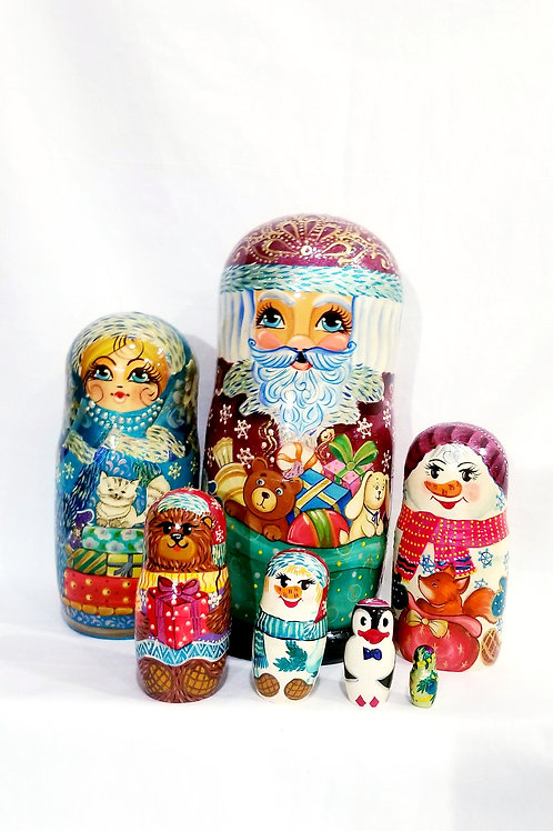 Santa nesting doll, 7 pieces 10 in high