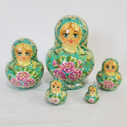 Russian Nesting doll 5 pieces 3.5 inches tall