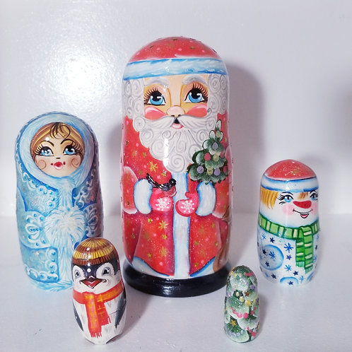 Santa nesting doll, 5 pieces 7 in high