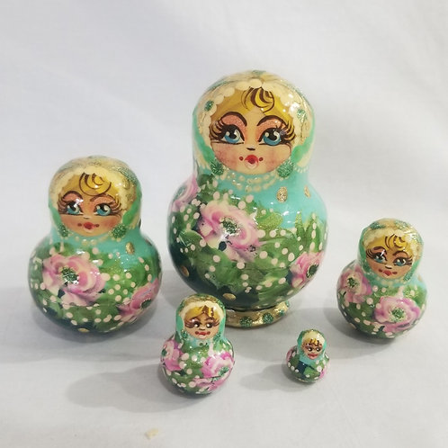 Russian Nesting doll 5 pieces