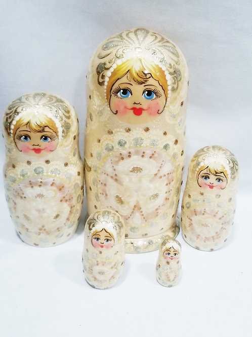 Russian nesting doll,5 pieces