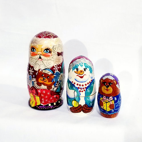 Santa nesting doll, 3 pieces 4.5 in high