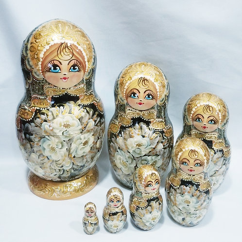 Russian nesting doll, 7 pieces