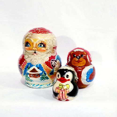 Santa nesting doll, 5 pieces 3 in high
