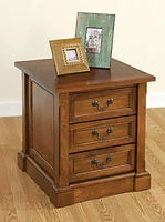 Bridgeport End Table | Brown Maple in Boston OCS111 | 22in W x 24in D x 25in H | The Amish Home | Amish Furniture at the Pittsburgh Mills