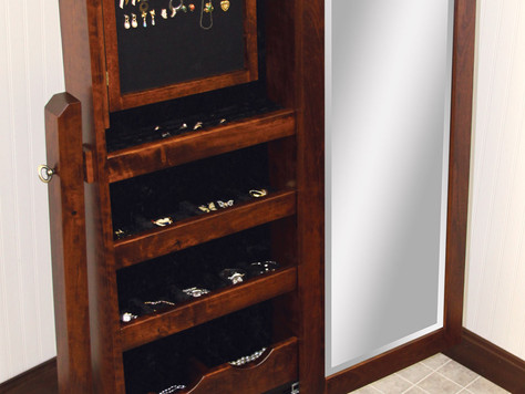 6 Ways to Store your Jewelry