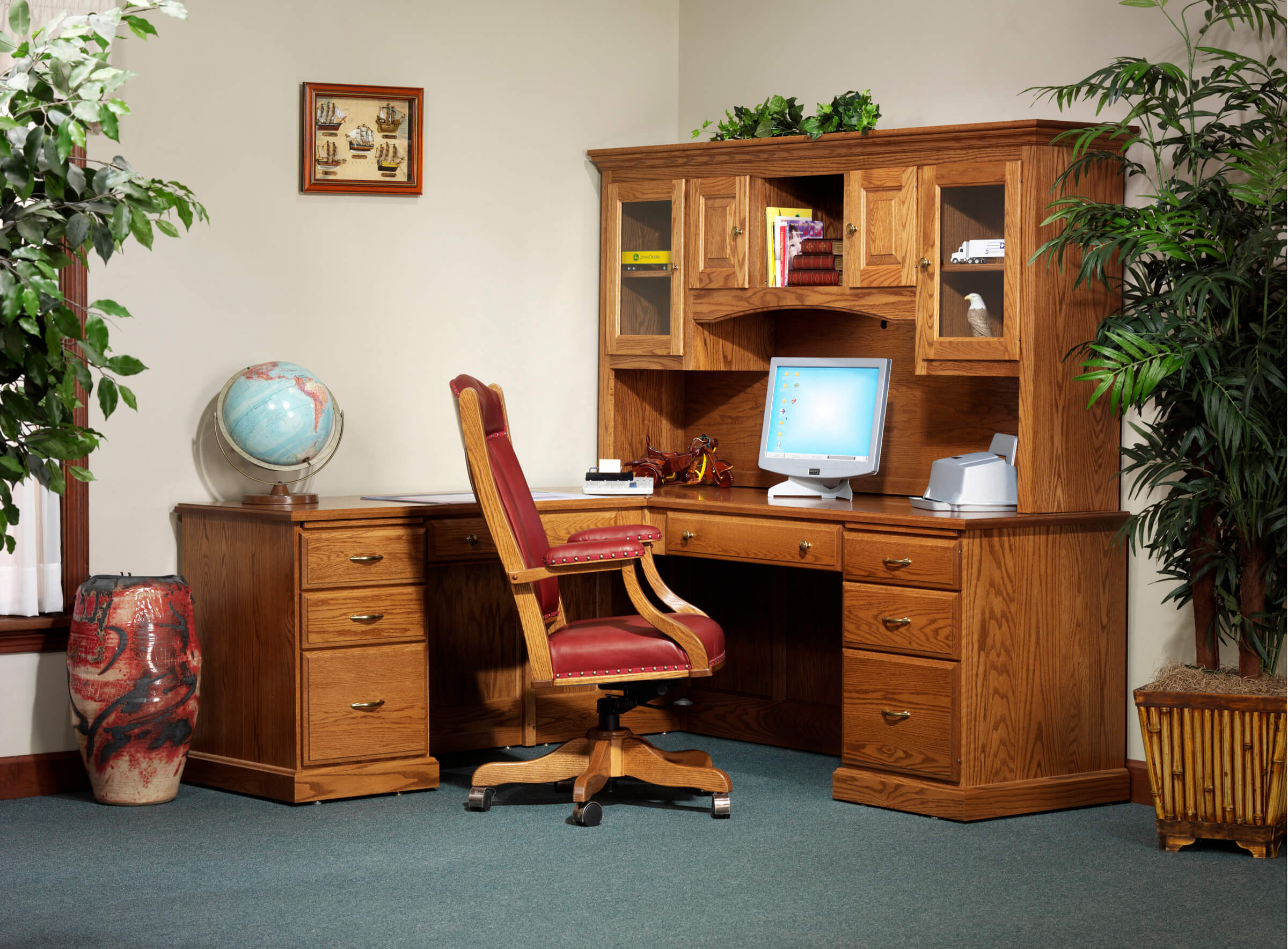 Highland L-Desk with optional hutch