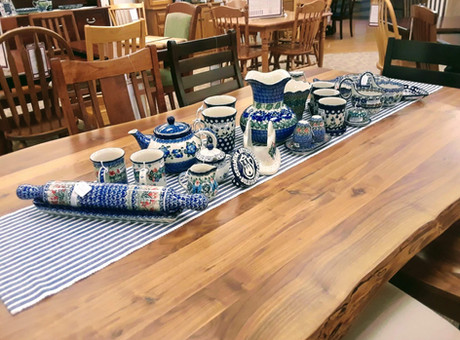 How Does Polish Pottery Fit with Amish Furniture?