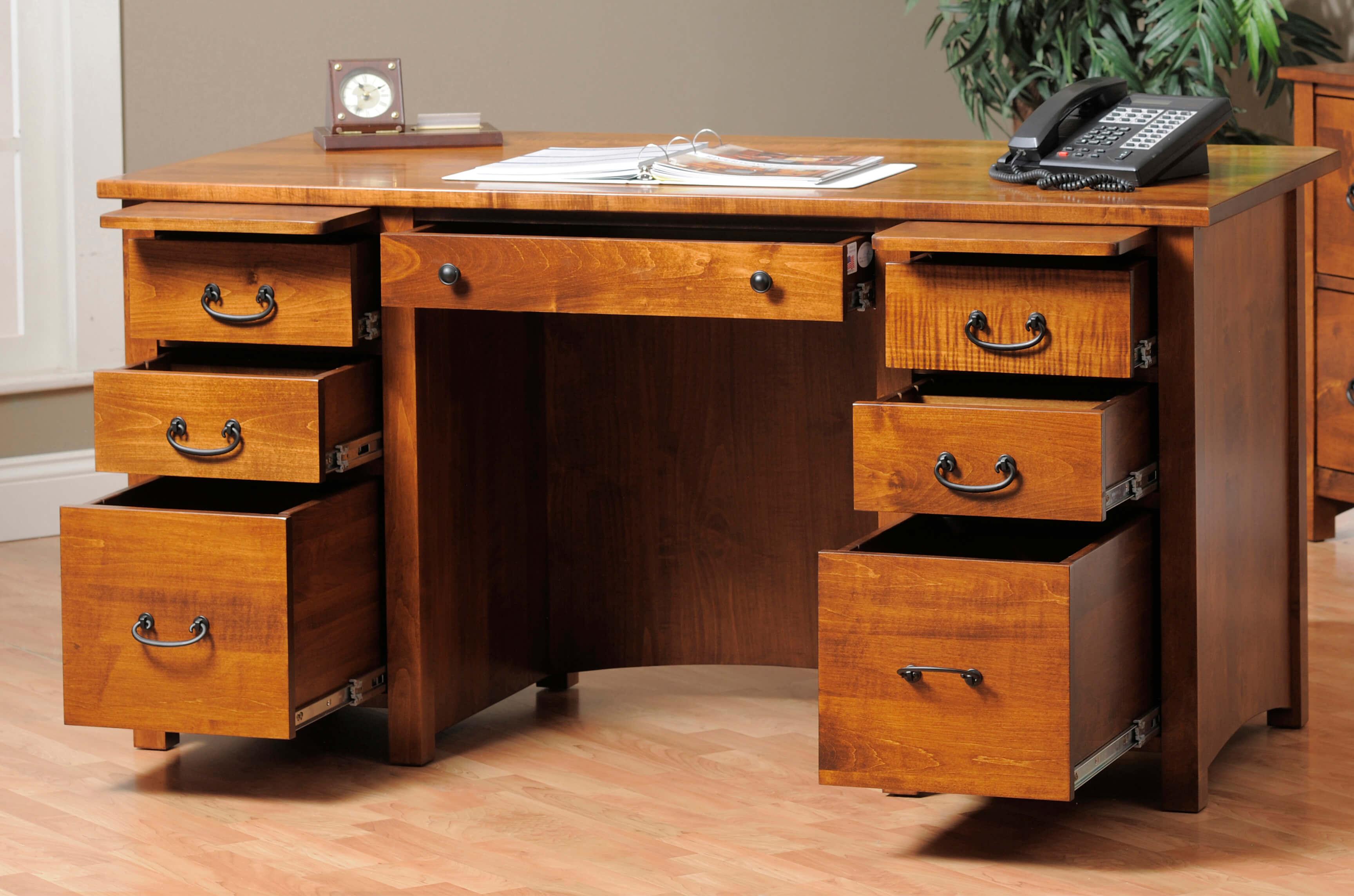 Rivertowne Executive Desk