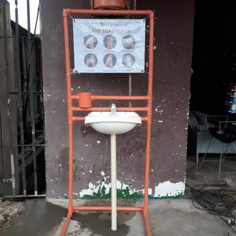 Primeiros lavatórios já instalados!