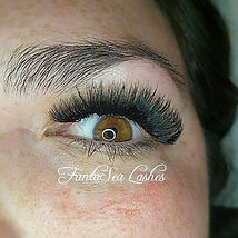 Happy Saturday loves! Bold lashes and a