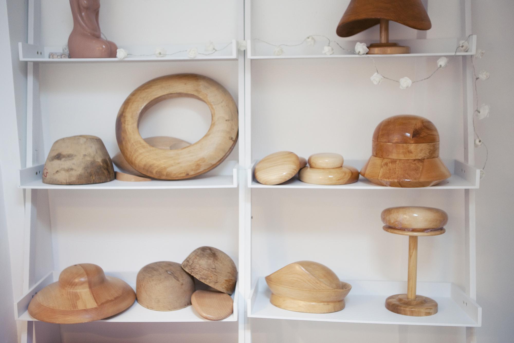 Formes en bois pour chapeaux