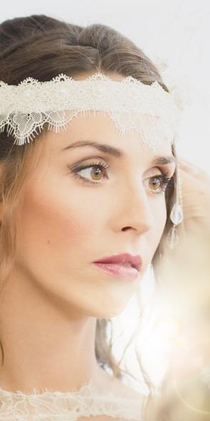 bandeau mariée dentelle, fils argentée, perles nacrées, dentelles cils délicates ivoire claire
