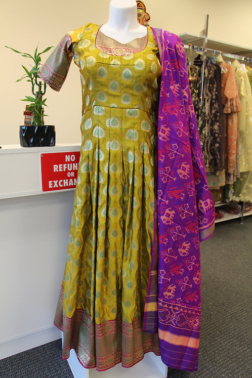 Banarasi Anarkali / Gown (Dupatta is optional)