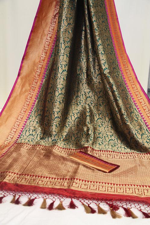 Banarasi Pure Katan Silk Handwoven Shikargah Saree