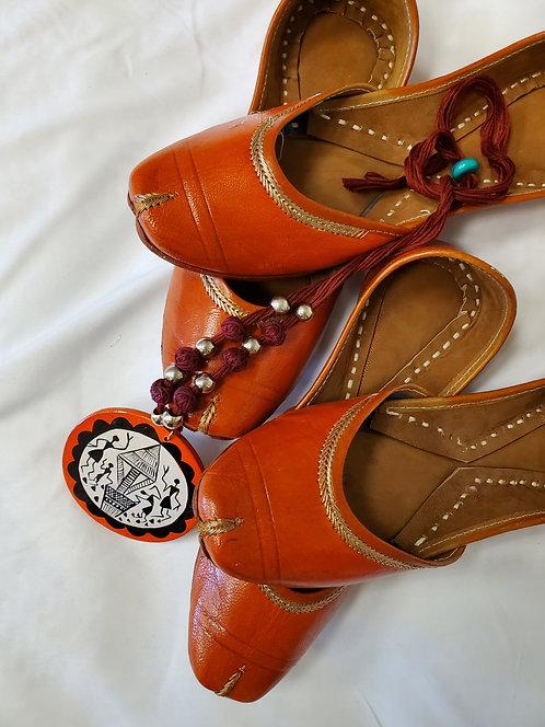 Indian wear / Juttis / Mojari