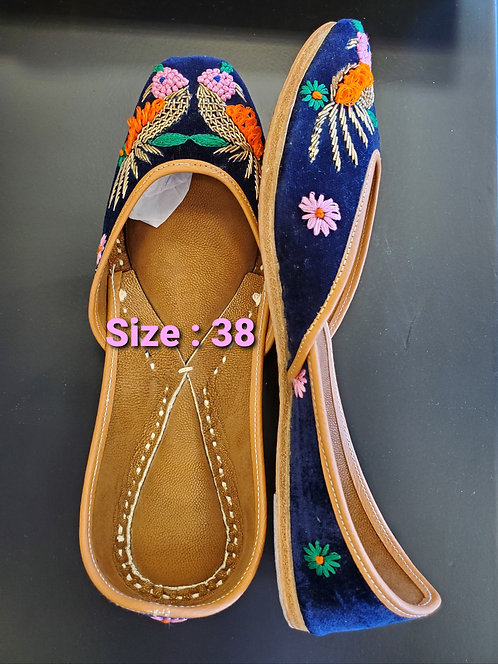 Indian shoes / Juttis / Mojari