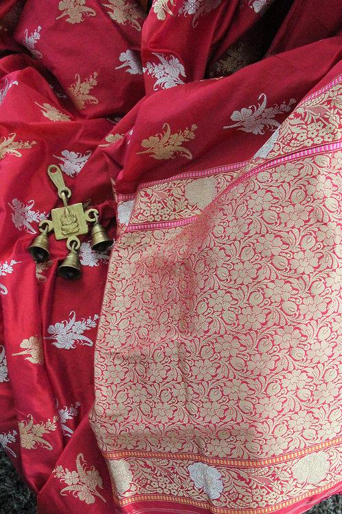 Red Handwoven kadhuwa banarasi saree with sona rupa zari boota