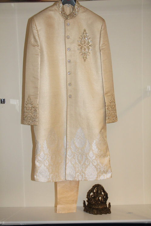 Men's Sherwani /Attire
