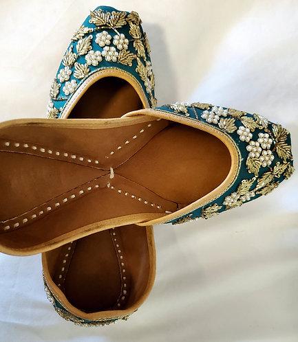 Indian shoes ,/ Juttis / Mojari