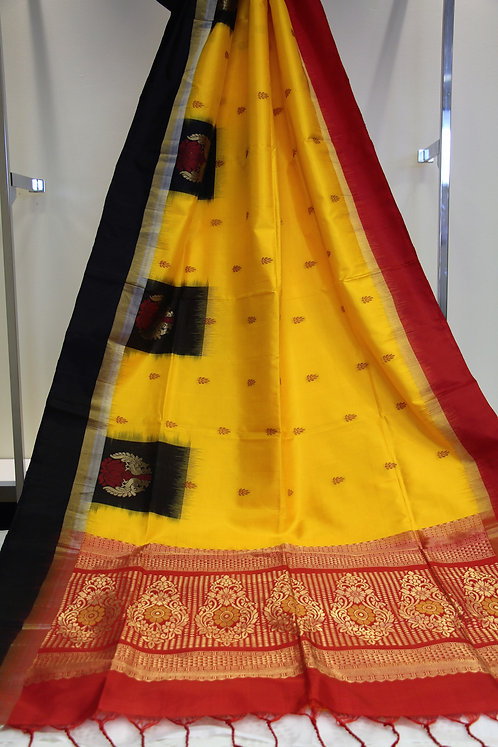 Pure Kanchipuram South Silk saree in combination of Yellow and Red