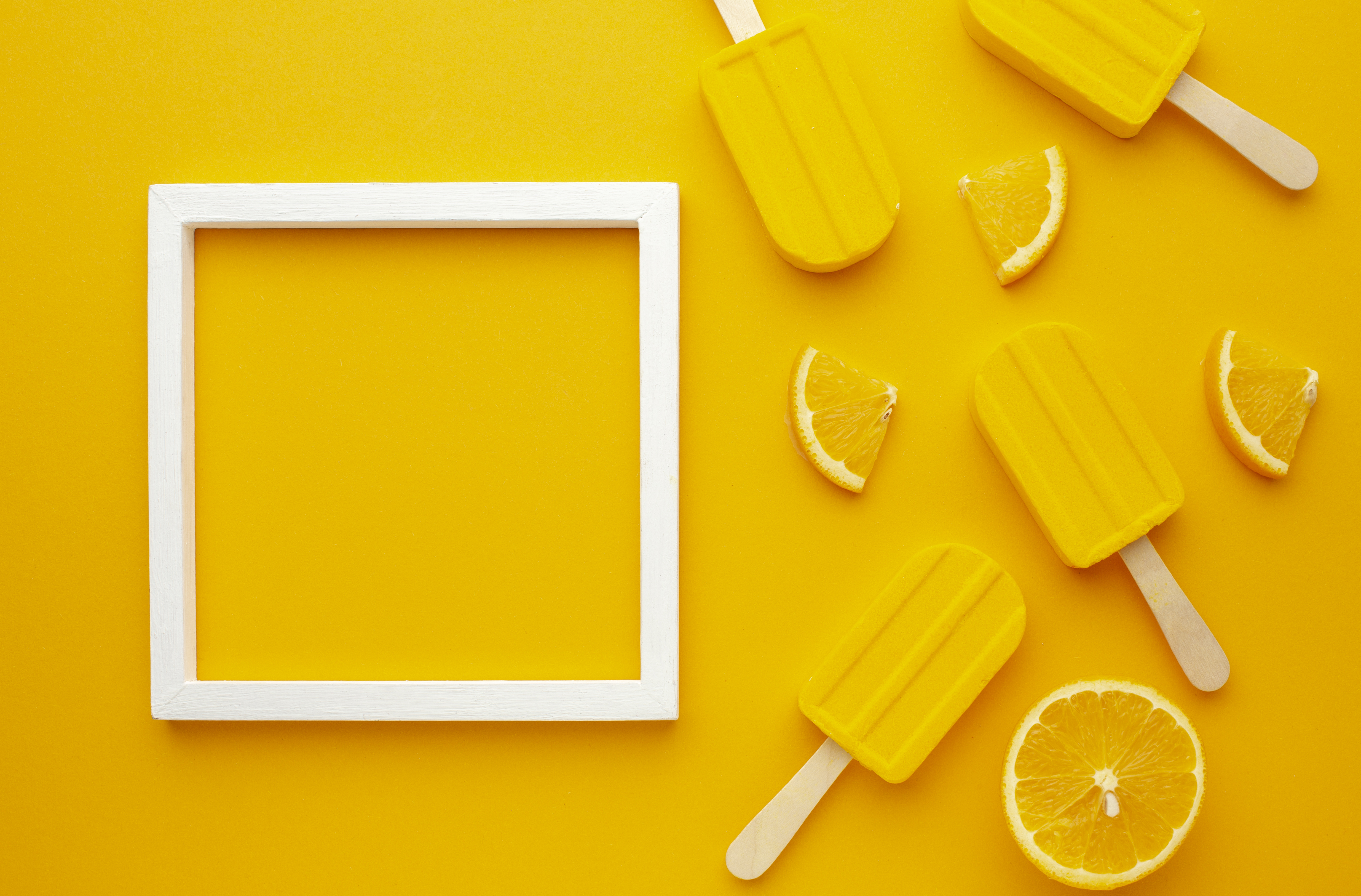 frame-with-yellow-flavoured-ice-cream