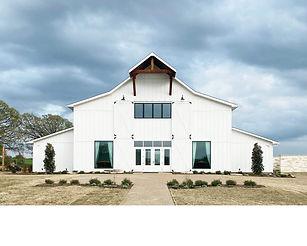 Chandelier-Farms-North-Texas-Wedding-Ven