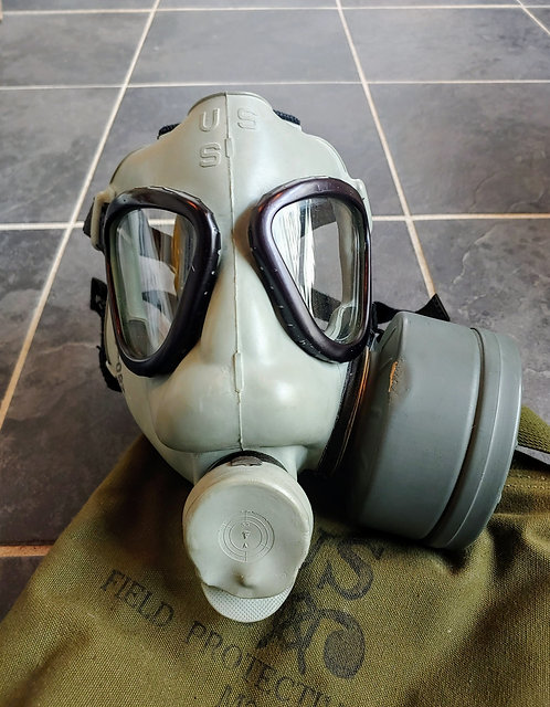 Vintage US Military Field Protective Mask M9A1