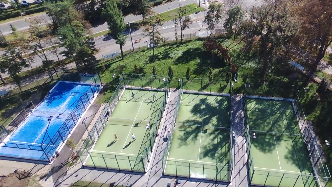 Padel courts 1.PNG