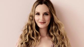 """Leighton Meester saiu na matéria """"8 mulheres que provam que a cor nude é diferente para todos&q"""