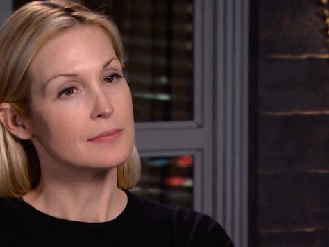 Kelly Rutherford dá dicas de beleza e conta sobre sua linha de jóias em entrevista para a Beauty And