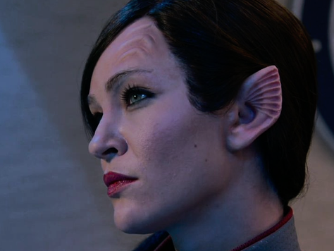 Jessica Szohr fala sobre sua nova personagem e seu futuro reencontro com Leighton Meester na série &