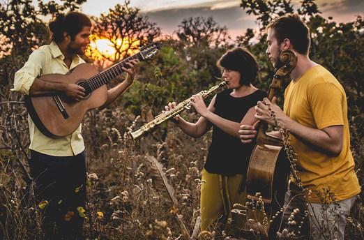 Trio In Uno, guitare, saxophone soprano et violoncelle