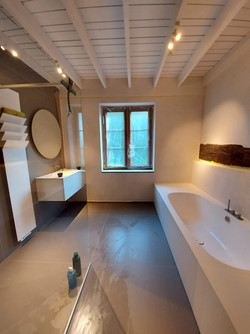 Rénovation complète d'une salle de bain.