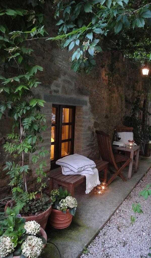 La Torretta 42 Romantik hinter dem Haus