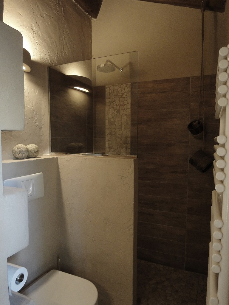 La Torretta 42_ Apartment GIULIA_Dusche