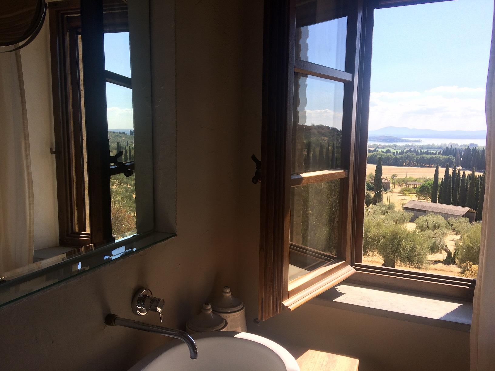 Blick aus dem Fenster_Apartment Emilia