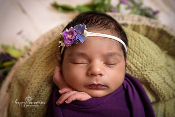 Newborn photographer Redhill-11.jpg