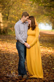 maternity, pregnancy photographer Crawley, Horsham, East Grinstead, Redhil, Reigate