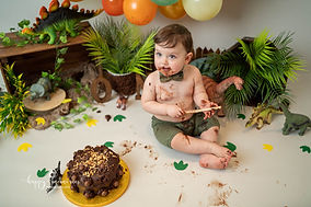 cake smash Sussex-9.jpg