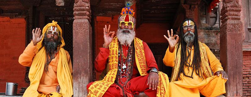 800px-Three_saddhus_at_Kathmandu_Durbar_Square.jpg 2015-8-22-17:25:52