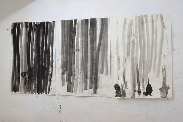 """Atelieransicht mit Zeichnungen """"Streifen"""""""