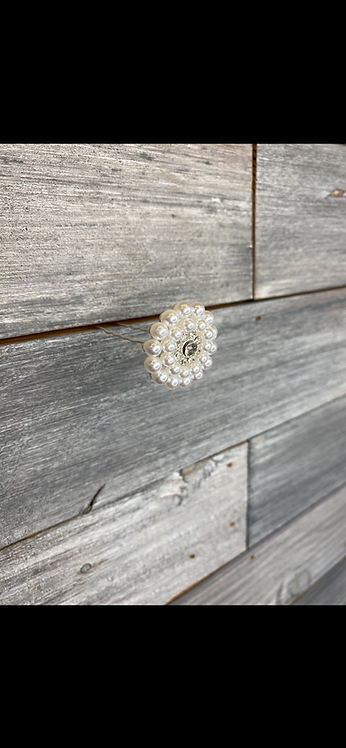 Pearl flower pin