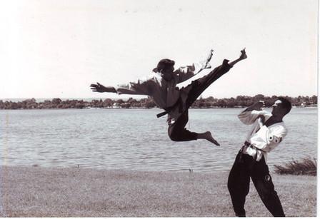 Craig & Aubrey Fly Kick ab 20000001.JPG