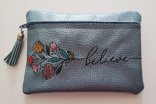 believe in flowers Pouch
