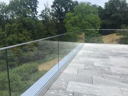 Balkon-Glasgeländer