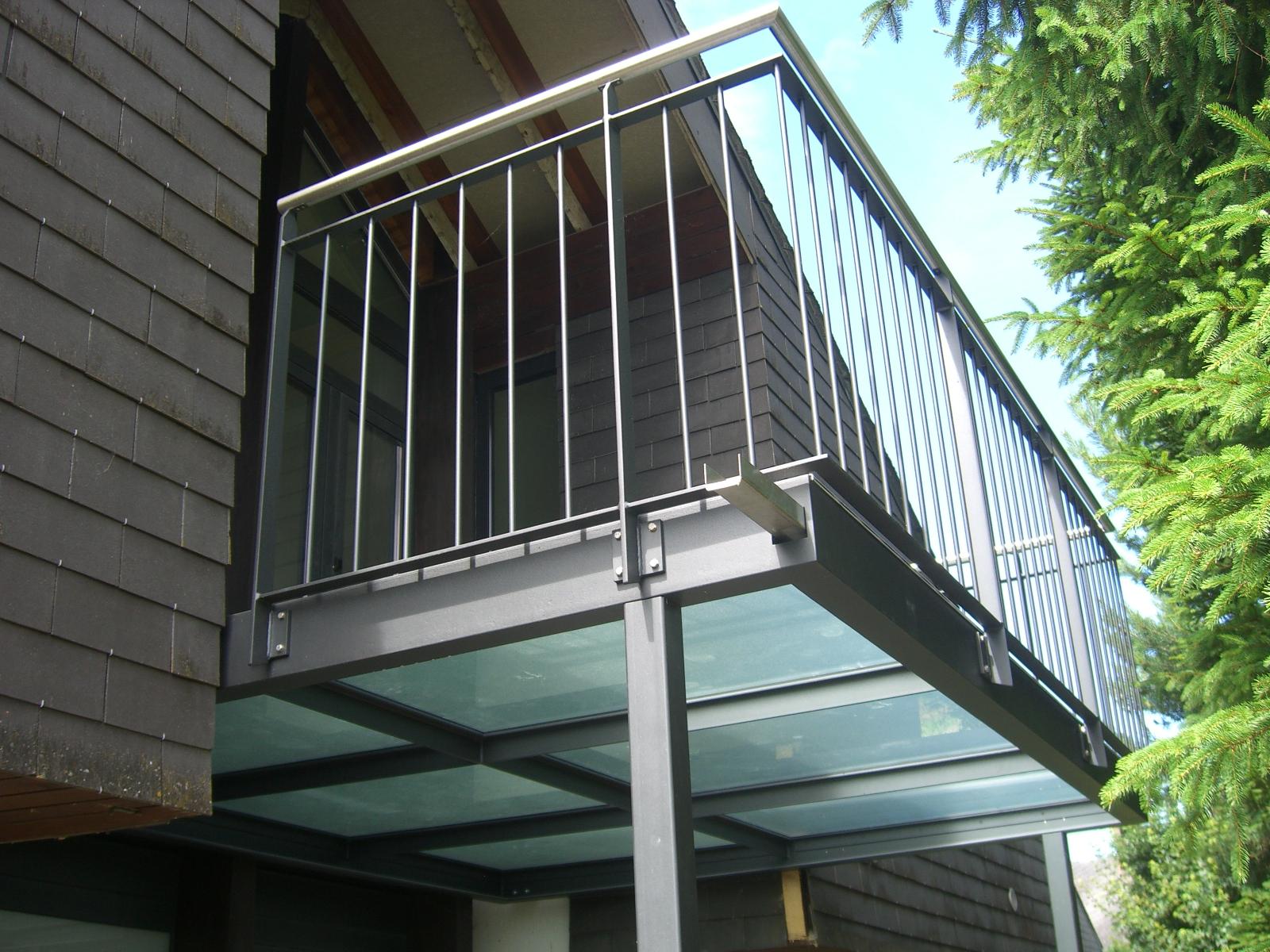 Balkon mit Glasboden