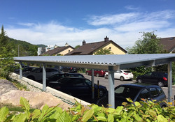 Parkplatzüberdachung
