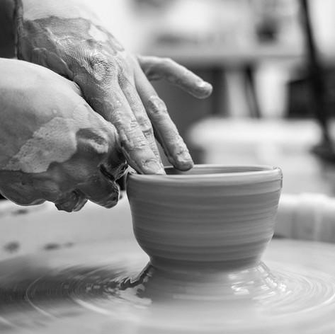 La Poterie : de l'Argile à la Céramique